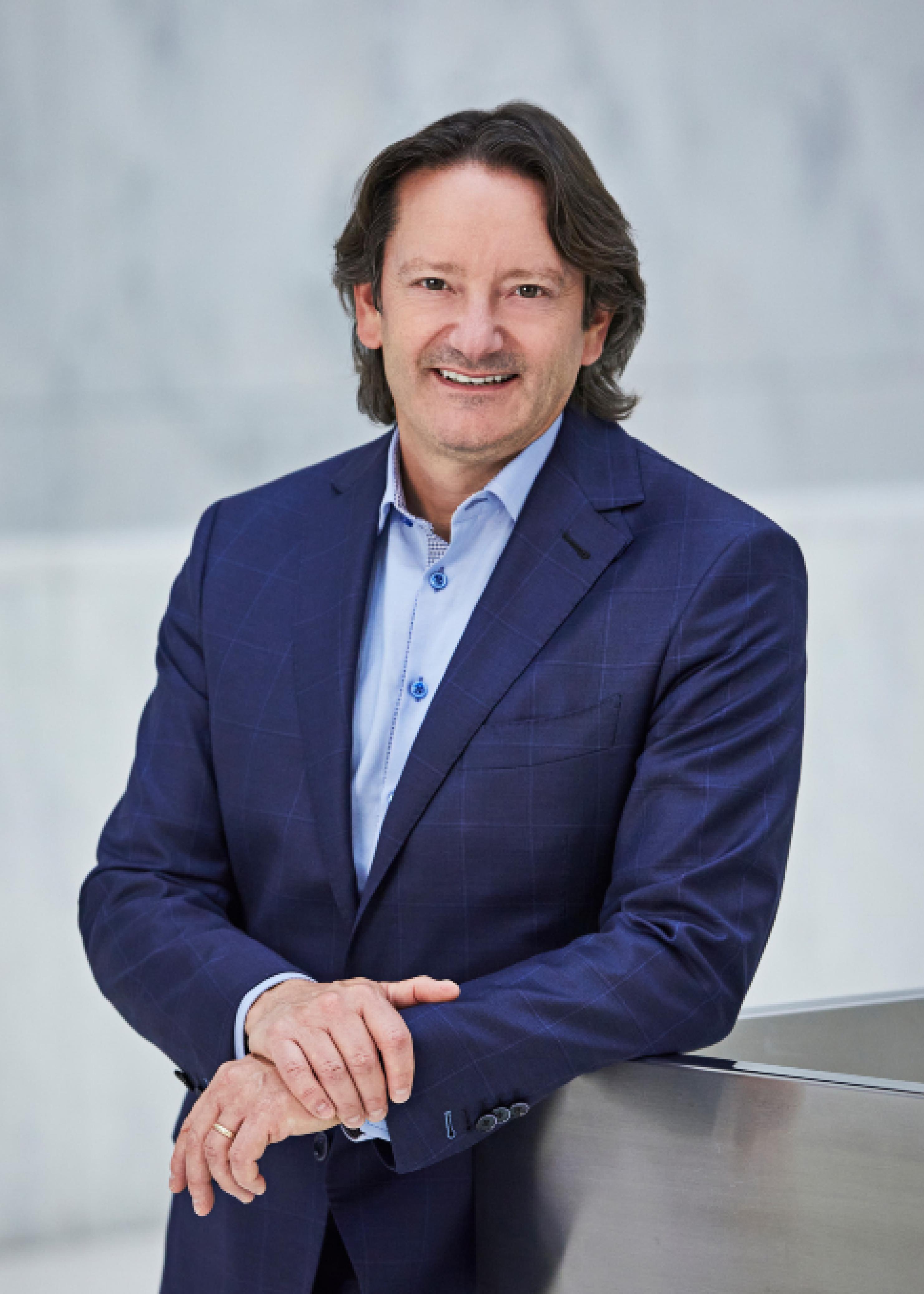Executive Bios Dan Barclay