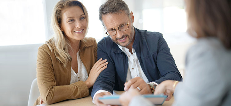 Meeting a financial professional as a couple: estate, tax and succession planning.